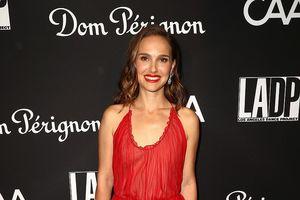 'Thiên nga đen' Natalie Portman hôn chồng đắm đuối trên thảm đỏ