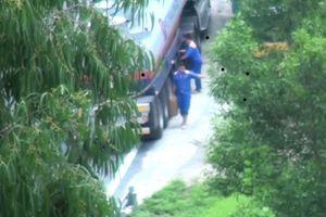 Đình chỉ 5 tài xế vi phạm trong vụ rút ruột xăng dầu trên đèo Hải Vân