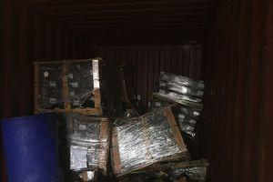 Công ty Posco SS Vina giấu phụ tùng ô tô trong 4 container phế liệu nhập về Việt Nam