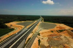 Khó tin cao tốc 34.500 tỷ bị thấm dột do cầu chưa làm xong
