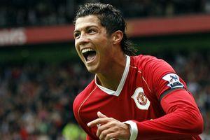 10 khoảnh khắc đẹp nhất của Ronaldo khi khoác áo MU