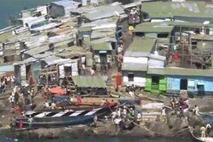 Cảnh kỳ lạ trên hòn đảo bé hơn sân bóng, 500 người sống ở châu Phi