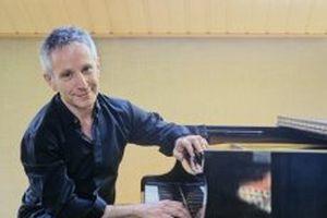 Độc tấu piano cổ điển của nghệ sĩ dương cầm người Pháp Jean-Louis Haguenauer