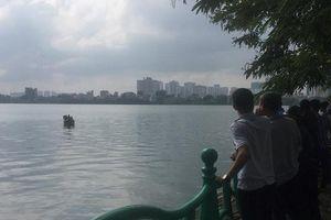 Hà Nội: Huy động thợ lặn tìm kiếm người đàn ông mất tích trên hồ Tây