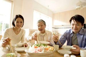 Mẹ giận con dâu, quyết chia đôi căn bếp