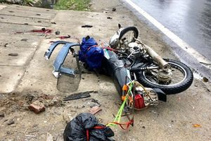 Đâm trực diện vào xe đầu kéo, 2 du khách nước ngoài tử vong