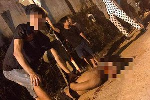 Thanh niên nghi bắt cóc trẻ em bị người dân vây đánh đến chết