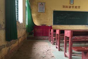 Trường học 2 tầng gãy móng, sụt lún, gần 250 học sinh đến lớp trong nơm nớp lo sợ