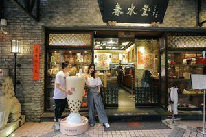 Đài Loan qua những trải nghiệm của Diễm My 9X và ca sĩ Quang Vinh