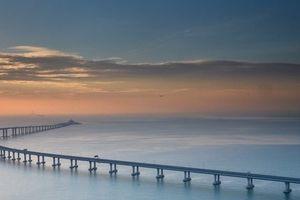Chiêm ngưỡng cây cầu vượt biển dài nhất thế giới