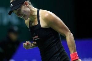 WTA Finals: Cựu số 1 thế giới thua đau 'kẻ đóng thế'