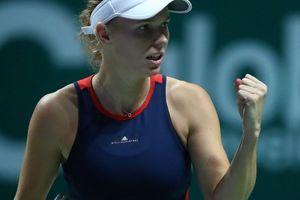 WTA Finals: Wozniacki thắng trận đầu, Svitolina tiếp tục gây ấn tượng