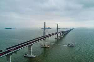 Khánh thành cầu vượt biển dài nhất thế giới giữa Hồng Công-Trung Quốc