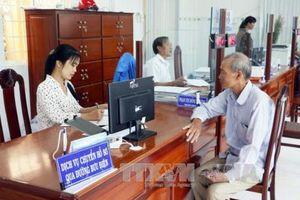 Hà Nội bãi bỏ 190 thủ tục hành chính