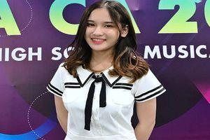 Nữ sinh 10X bất ngờ nổi tiếng nhờ nụ cười đẹp tựa thiên thần