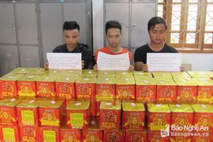Bắt 3 đối tượng vận chuyển 180 kg pháo từ Bắc Giang vào Nghệ An tiêu thụ