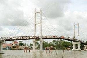 Cà Mau: Dân bức xúc với cây cầu thu phí 'không thời hạn'