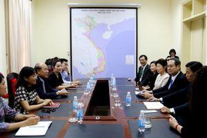 Thứ trưởng Nguyễn Văn Công tiếp và làm việc với nguyên Bộ trưởng Bộ MLIT