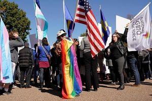 Đề xuất chính sách về người chuyển giới tại Mỹ hứng chịu chỉ trích