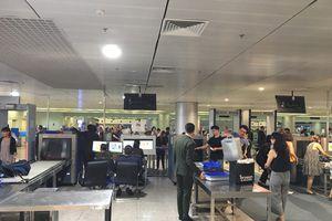 TP Hồ Chí Minh: Hai hành khách bị phạt vì mang theo 200 triệu đồng khi xuất cảnh