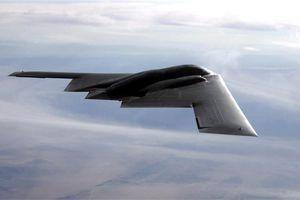 Máy bay ném bom tàng hình của Mỹ phải hạ cánh khẩn vì sự cố