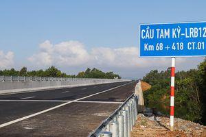 Thêm cầu trên cao tốc Đà Nẵng - Quảng Ngãi 'có vấn đề'