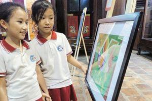 Khai mạc Triển lãm tranh dân gian Việt Nam và ứng dụng