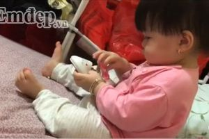 Em bé đòi mẹ giữa đêm vì bố không có 'ti' để con bú