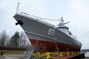 Nga hạ thủy tàu chiến mang tên lửa đầy uy lực