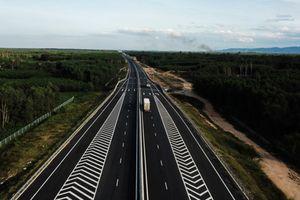 Phát hiện thêm nhiều cầu trên cao tốc 34.500 tỷ bị nứt, thấm nước