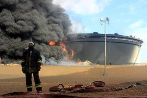 Biến động chính trị tại hai nước này quyết định giá dầu có lên 100 USD/thùng hay không