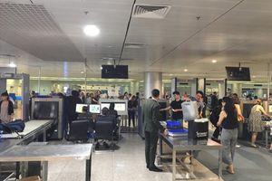 Mang theo 200 triệu đồng khi xuất cảnh, 2 hành khách bị xử phạt