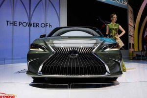 Chiêm ngưỡng Lexus ES300h mới lần đầu xuất hiện tại Việt Nam