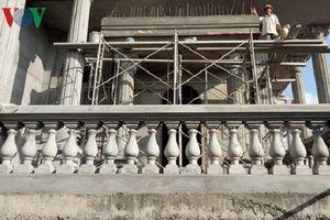 Chủ tịch xã ở Tiền Giang 'làm lơ' cho bố mẹ xây dinh thự khủng