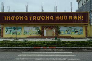 Chủ cửa hàng người Trung Quốc bán thuốc lá lậu ở Móng Cái