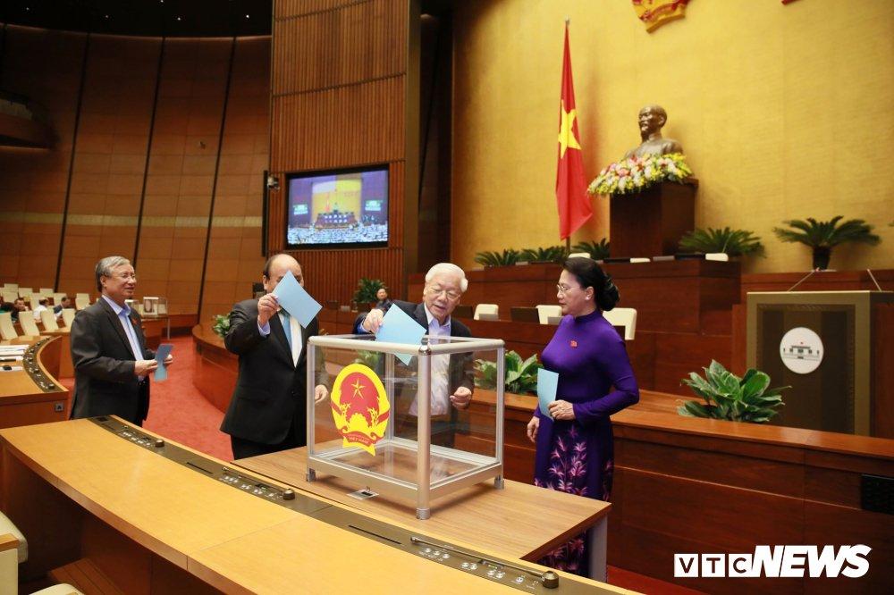 Quốc hội thông qua danh sách 48 chức danh lấy phiếu tín nhiệm