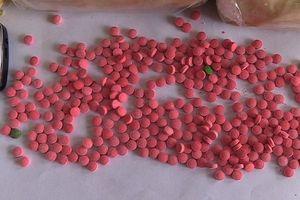 Gài ma túy vào ghế lái xe khách vận chuyển từ Lào vào Việt Nam tiêu thụ