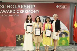 Đại học RMIT Việt Nam trao 110 suất học bổng 2018 có tổng trị giá 32 tỉ đồng