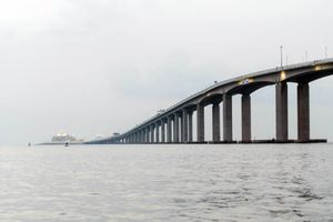 Trung Quốc ra mắt cầu vượt biển dài nhất thế giới