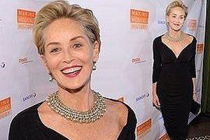 Minh tinh 'Bản năng gốc' Sharon Stone 60 tuổi vẫn quá trẻ đẹp