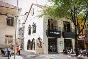 Bị mất tài sản ở cửa hàng Starbucks, khách hàng không được xem lại camera
