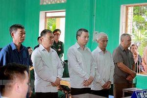 Nguyên sư đoàn trưởng và 4 bị cáo lĩnh gần 200 tháng tù