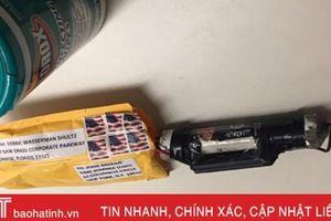 Cận cảnh những gói bưu kiện nghi chứa bom gửi đến nhà cựu Tổng thống Obama, Clinton