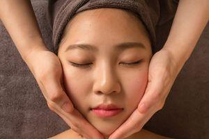Tạo hình khuôn mặt V-line không dao kéo ở Yakson Beauty Spa