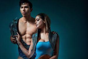 Hai mẫu Việt nóng bỏng bên Miss Earth 2013 trong trang phục bikini