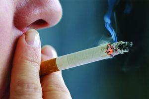 Hút thuốc lá có thể gây ung thư thanh quản