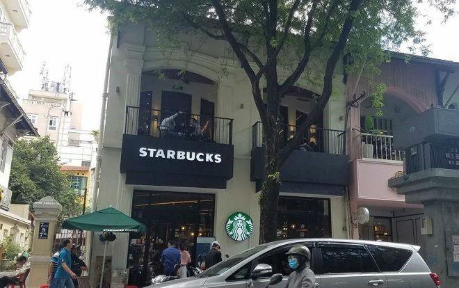 Khách bức xúc vì mất trộm Macbook Pro gần 40 triệu đồng khi vào uống cafe nhưng không được xem camera, đại diện Starbucks Việt Nam nói gì?
