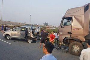 Phó Thủ tướng Trương Hòa Bình chỉ đạo giải quyết vụ container tông Innova trên cao tốc