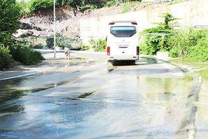 Đoạn đường thường xuyên bị nước tràn qua