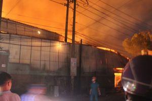 Đồng Nai: Xưởng gỗ cháy rụi trong đêm, thiệt hại hàng tỷ đồng